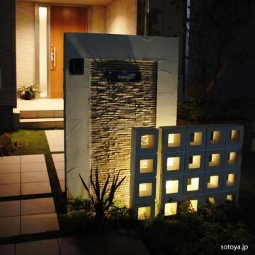 門柱からこぼれる光(近江八幡市)