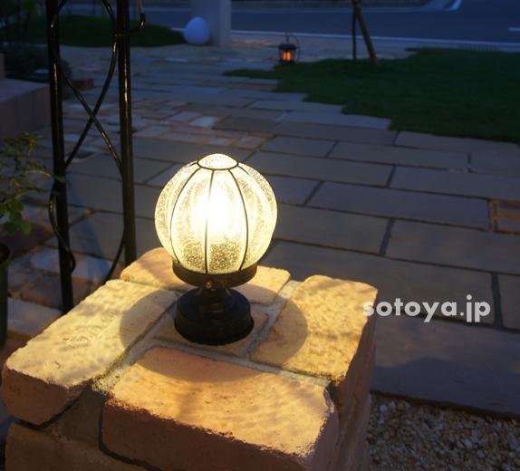 エクステリア照明はどこに設置する?効果的な場所と照明のタイプ
