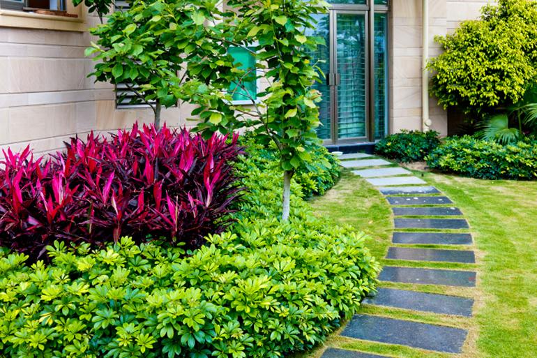 家の印象を左右する「玄関アプローチ」 デザインのポイントは? 滋賀・京都のエクステリアと外構工事 そとや工房