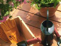 手入れがしやすいうえ、木の風合いが味わえる人工木(樹脂製)ウッドデッキのメリット