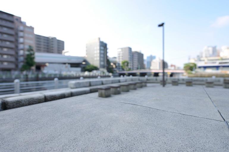 コンクリートの駐車場の思わぬ落とし穴とは?