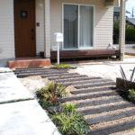 大阪にお住まいの方へ!外構工事で玄関アプローチをおしゃれにするには?